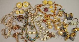 322 Small Group of Mostly Signed Costume Jewelry broo
