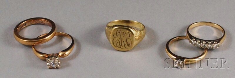 520: Five 14kt Gold Rings, two diamond solitaires, a di