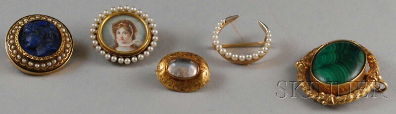 573: Five Antique 14kt Gold Pins, a small gem-set pin,
