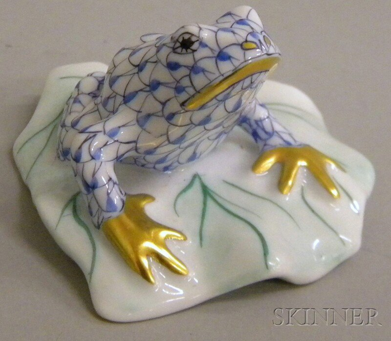 702: Herend Gilt and Hand-painted Porcelain Frog Figure