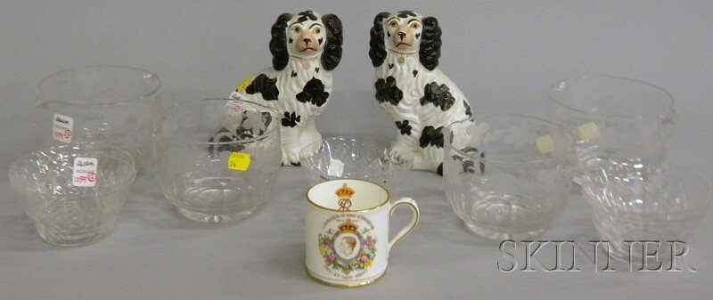 1059: Nine Colorless Glass Tableware and Three Ceramic