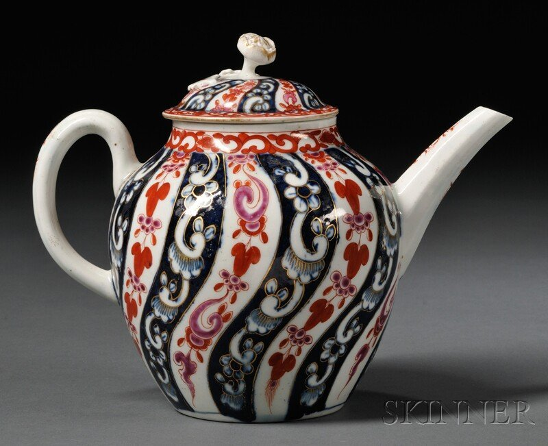 7: Worcester Queen Charlotte Pattern Teapot and Cover,