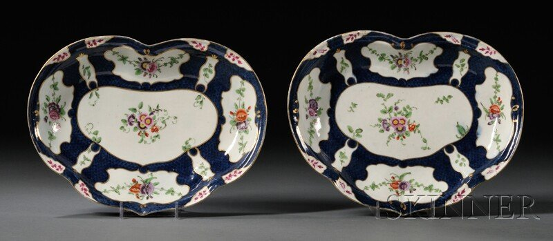 8: Pair of Worcester Porcelain Scale Blue Heart-shaped