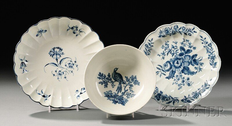 11: Three Worcester Blue-decorated Porcelain Items, Eng