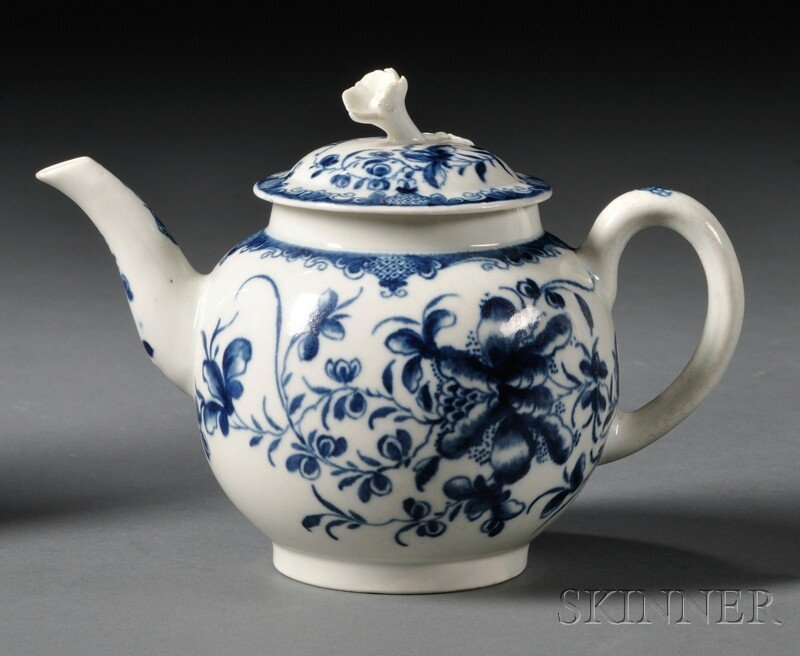15: Worcester Porcelain Mansfield Pattern Teapot and Co