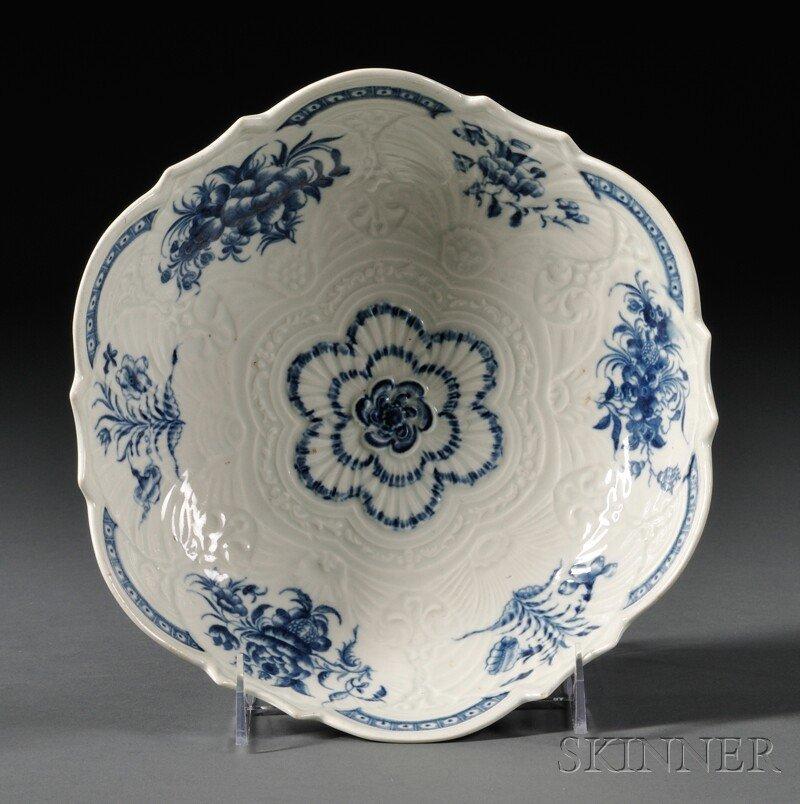 16: Worcester Porcelain Junket Dish, England, c. 1765,