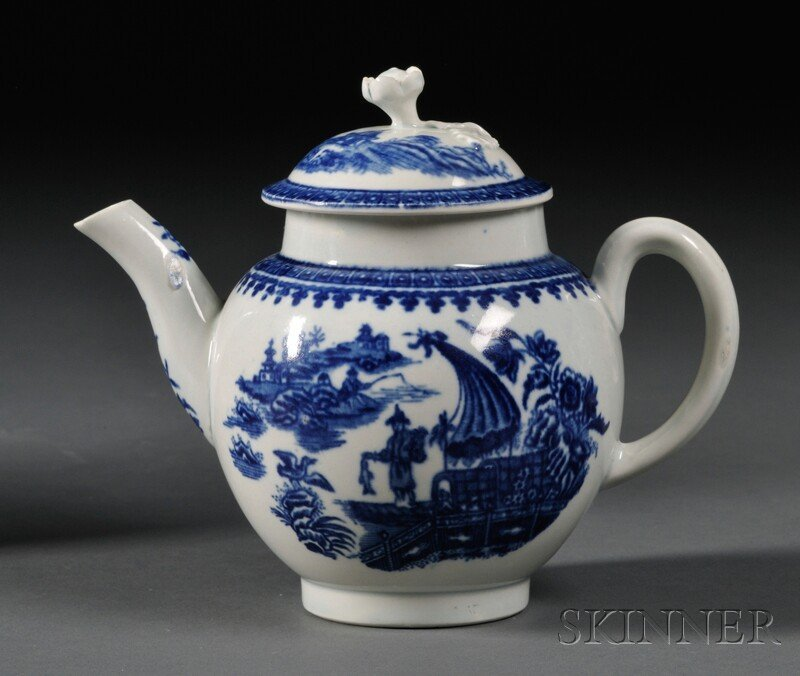 17: Worcester Porcelain Fisherman Pattern Teapot and Co