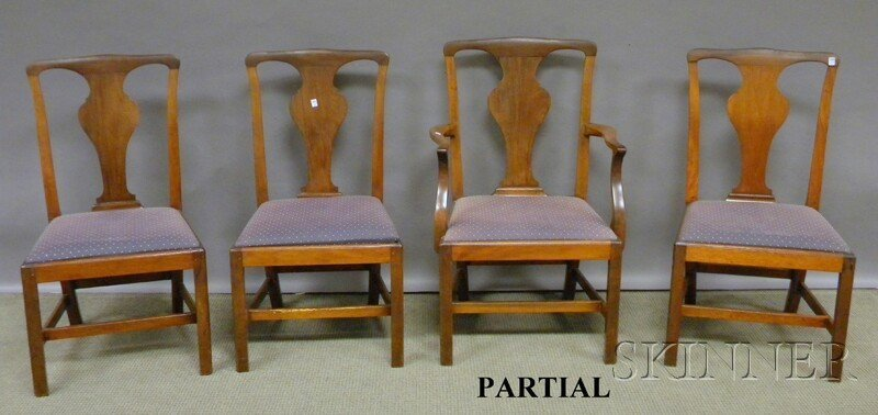 606: Set of Eight Chippendale-style Mahogany Dining Cha