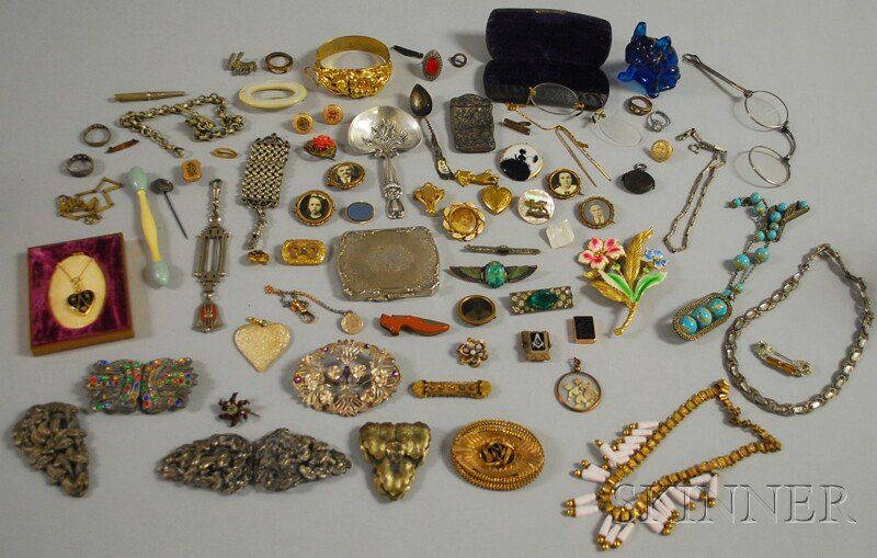 Group of Mostly Victorian Costume Jewelry, includi