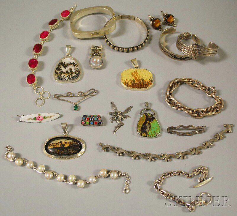 Small Group of Mostly Sterling Silver Jewelry, inc