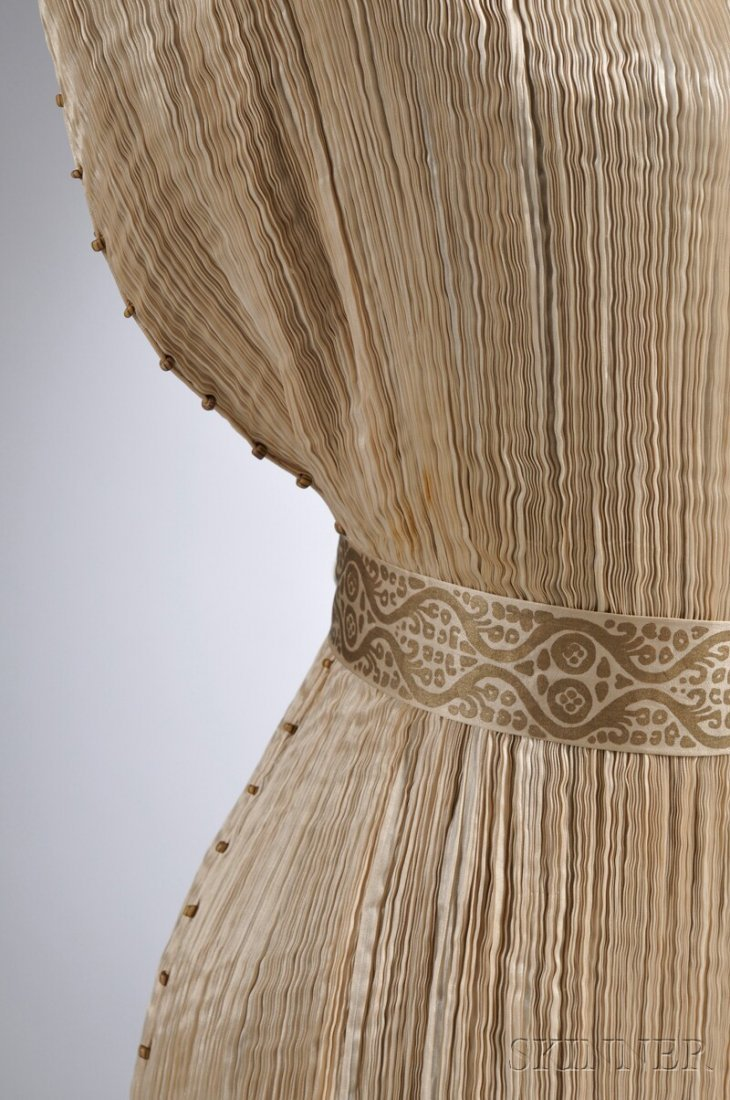 """642: Mariano Fortuny Silk Pleated """"Delphos"""" Gown with M - 3"""