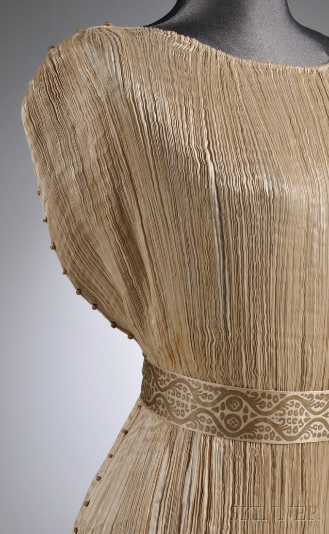"""642: Mariano Fortuny Silk Pleated """"Delphos"""" Gown with M - 4"""