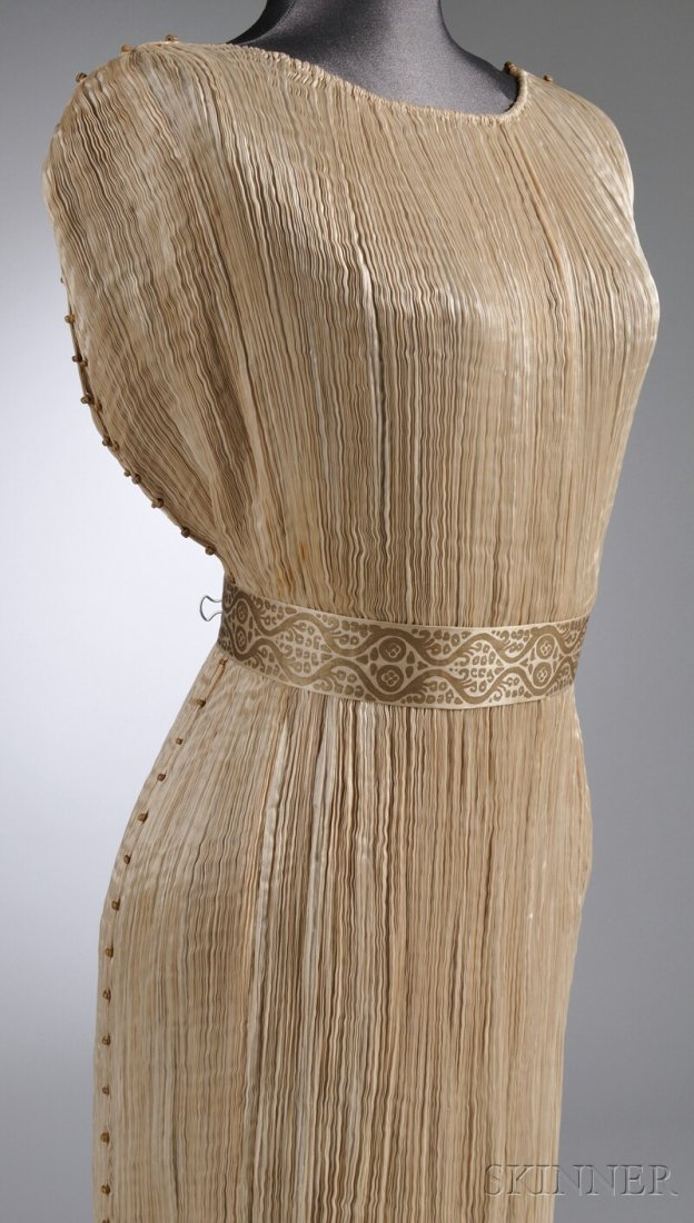 """642: Mariano Fortuny Silk Pleated """"Delphos"""" Gown with M - 5"""