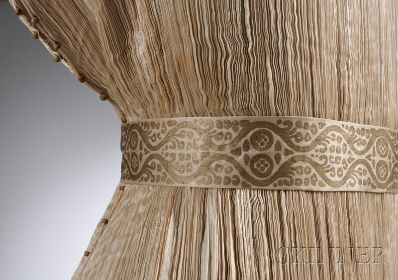 """642: Mariano Fortuny Silk Pleated """"Delphos"""" Gown with M - 6"""