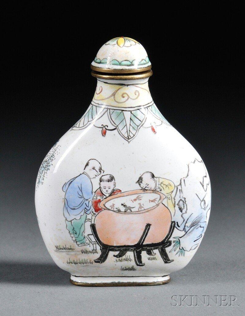 442: Enameled Snuff Bottle, China, 20th century, flatte