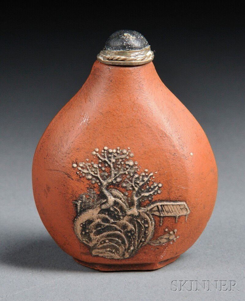 451: Yixing Snuff Bottle, China, 19th century, compress