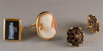 301 Three Jewelry Items a 14kt gold carved hardstone