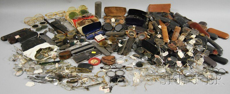 1421: Large Collection of Eyeglasses, Sunglasses, Lorgn
