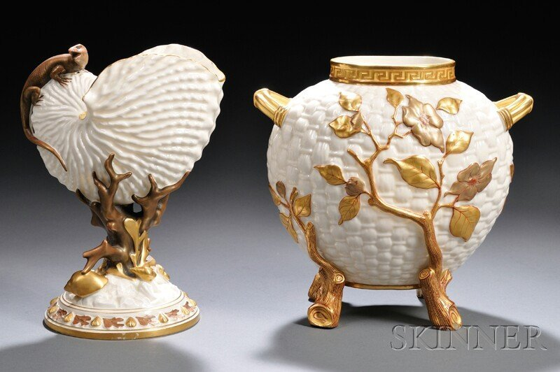 9: Two Royal Worcester Porcelain Vases, England, 19th c