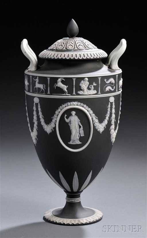 185 Wedgwood Black Jasper Dip Zodiac Vase And Cover E