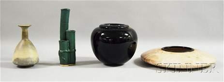 322 Four Modern Art Pottery and Glass Items a 1987 Da