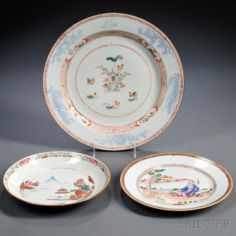 5: Three Export Porcelain Plates, China, 19th century,
