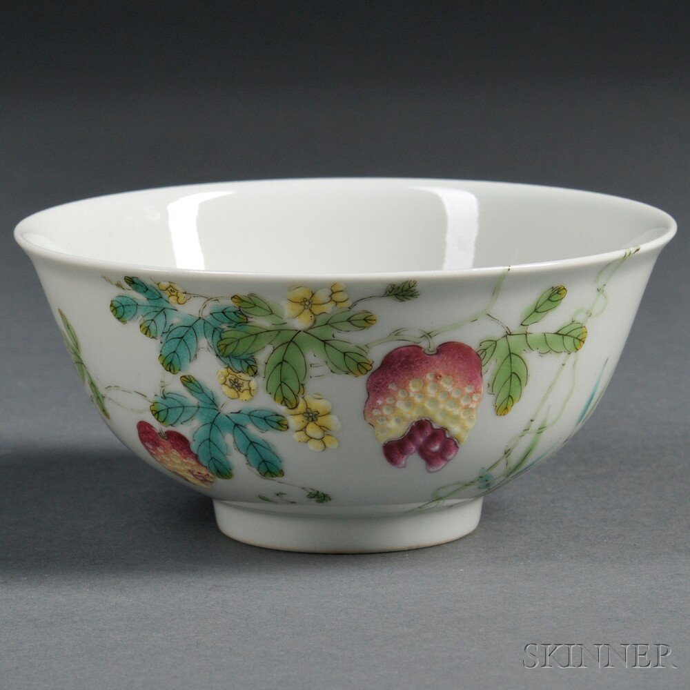19: Porcelain Bowl, China, 20th century, decorated with