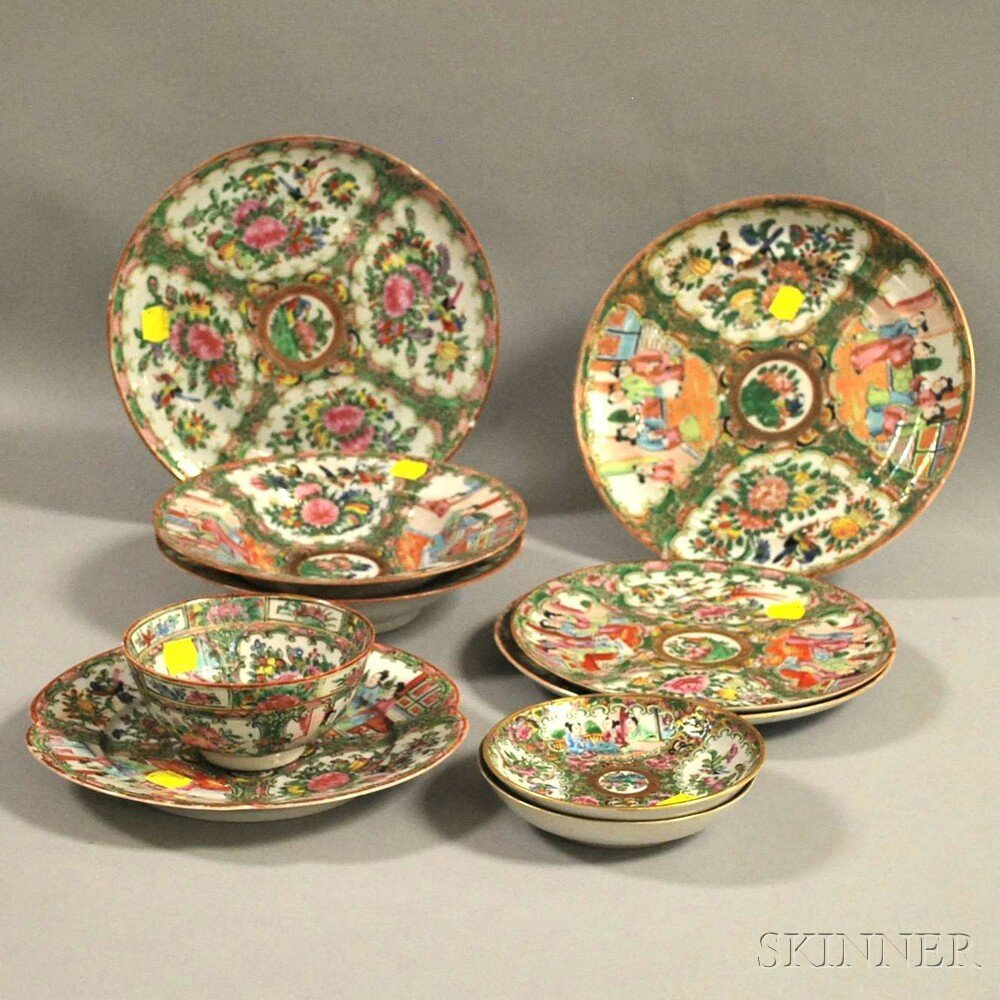 Ten Assembled Chinese Export Porcelain Table Items, lat
