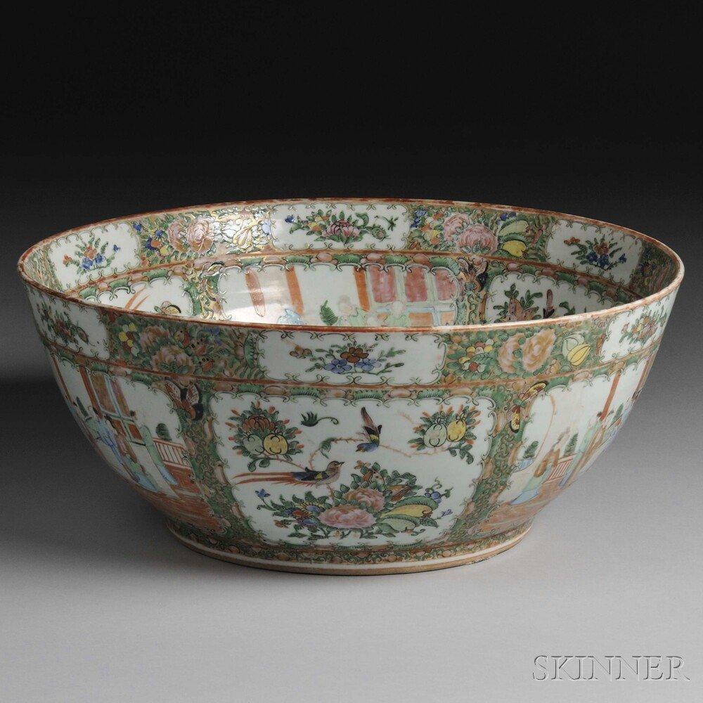 Large Chinese Export Porcelain Rose Medallion Pattern P