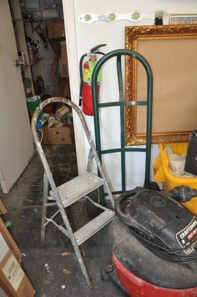 Craftsman Wet-Dry Vac 6.25 HP 210 MPH, furniture dolly,