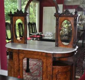 Beautiful antique Victorian sideboard with inlay & 3
