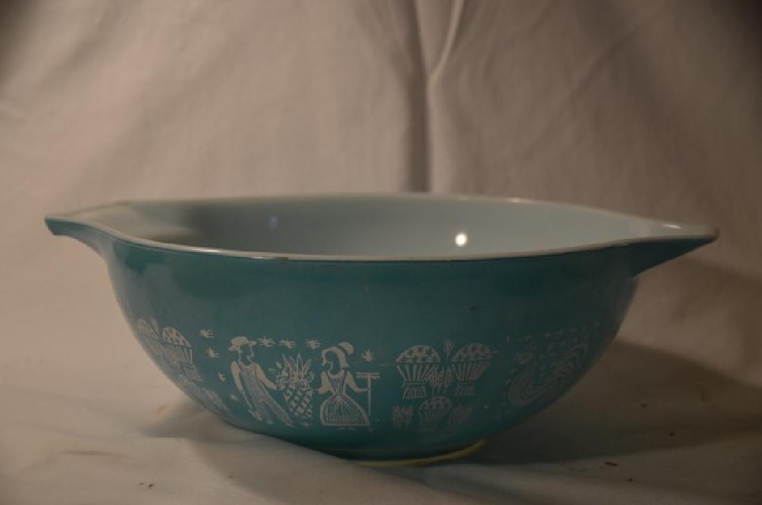 Five Pieces of Pyrex Bowls - 4