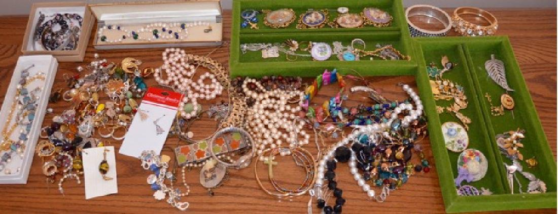 Dealers Lot of Costume Jewelry