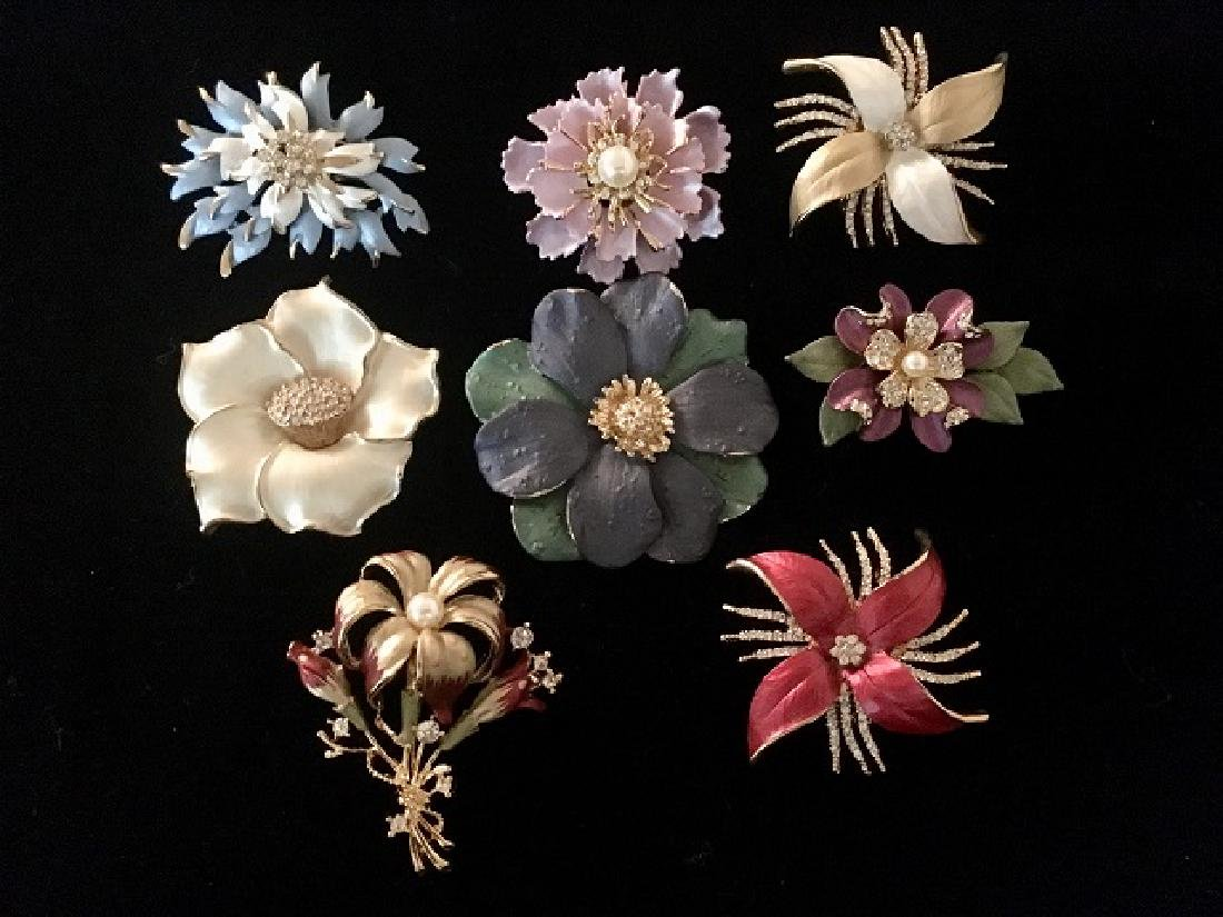 Lot of 8 Costume Flower Pins