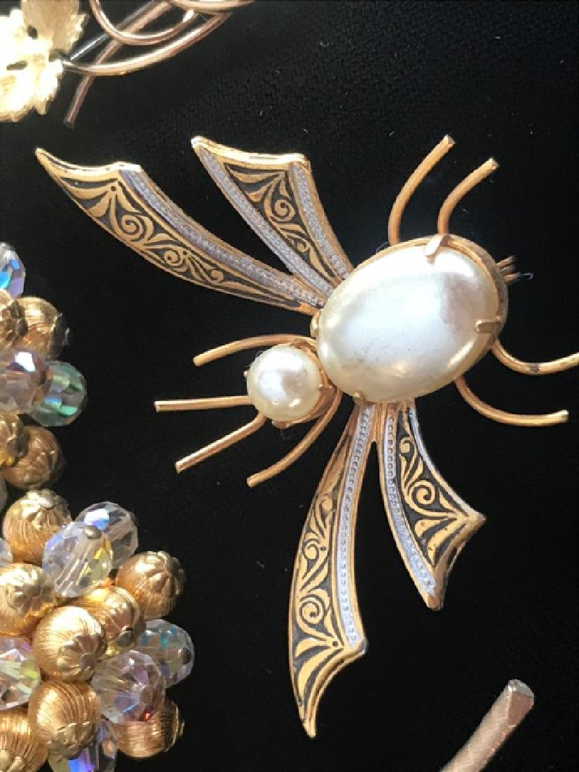 Lot of Gold Tone Pins & Earrings(10) - 3