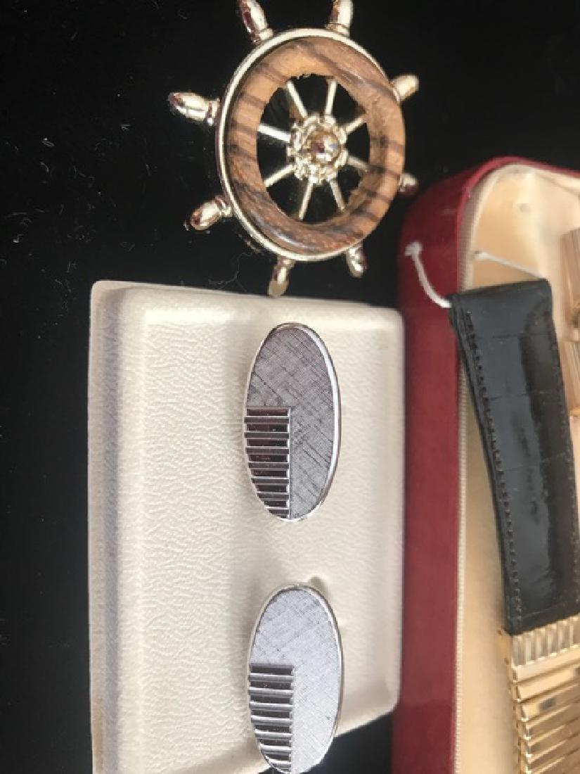 Gentleman's Cufflink & Dresser Lot - 5