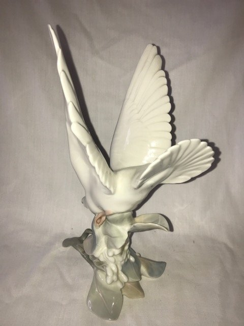 Lladro Turtle Dove on a Branch - 2