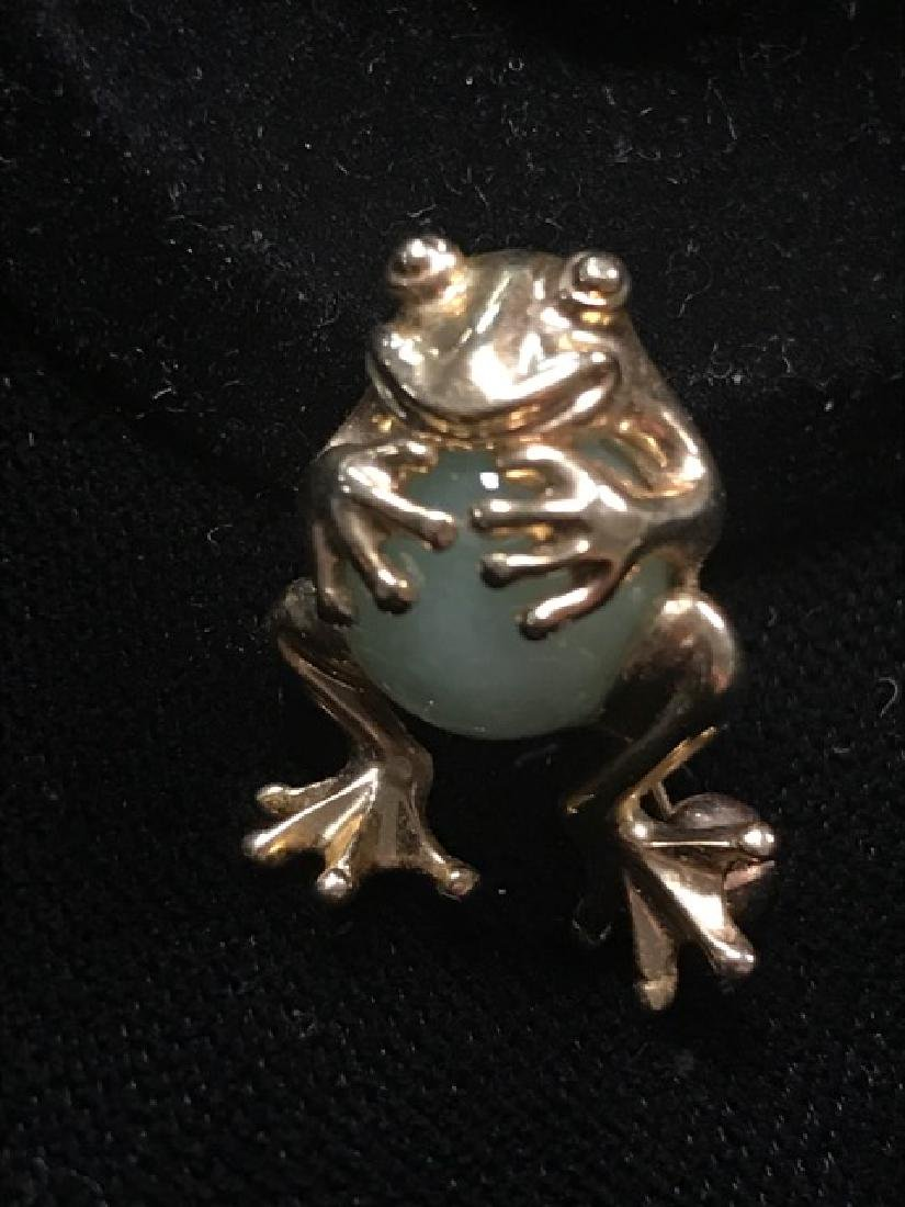 10K Gold Frog Pin with Jade Stone