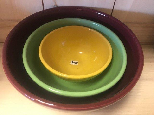 Vintage Stoneware Graduated Mixing Bowls - 2