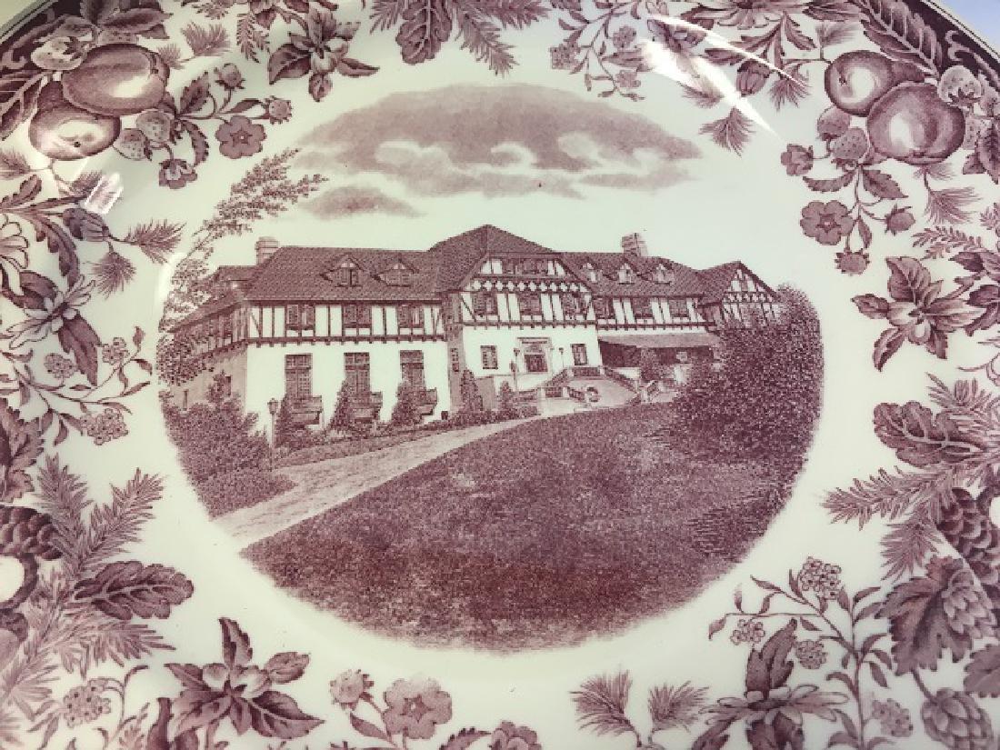 Vassar College Wedgwood Dinner Plates (9) - 3
