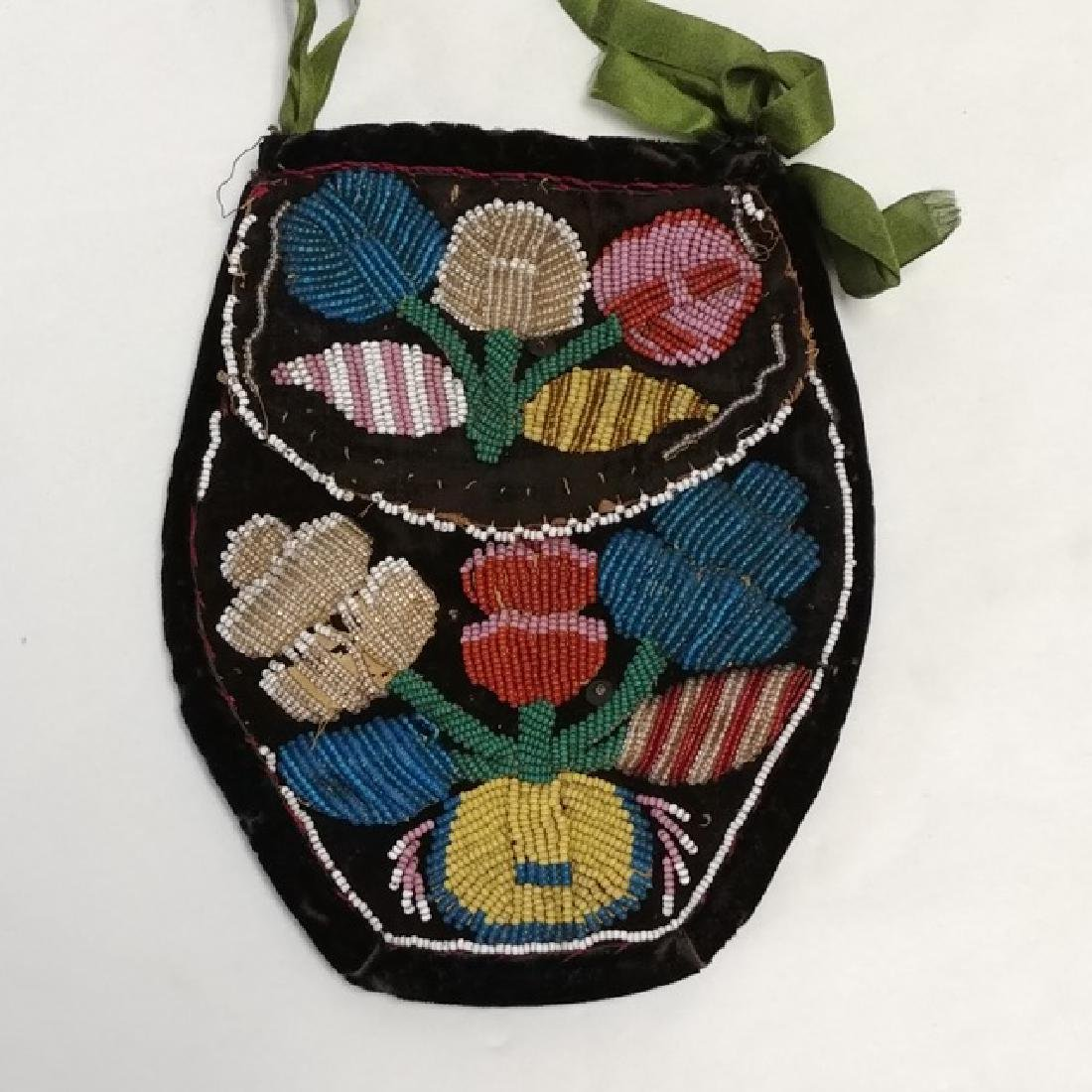 Antique Iroquois Beaded Pouch on Velvet - 2