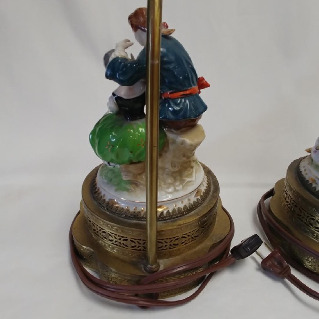 Pair Classical Porcelain Lamps - 5