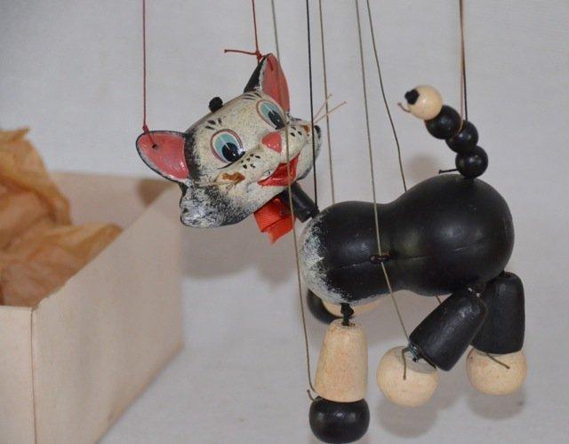 Pelham English Puppet of a Cat
