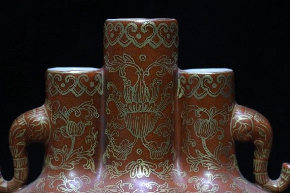 An Exceptional Famille Rose Vase - 3