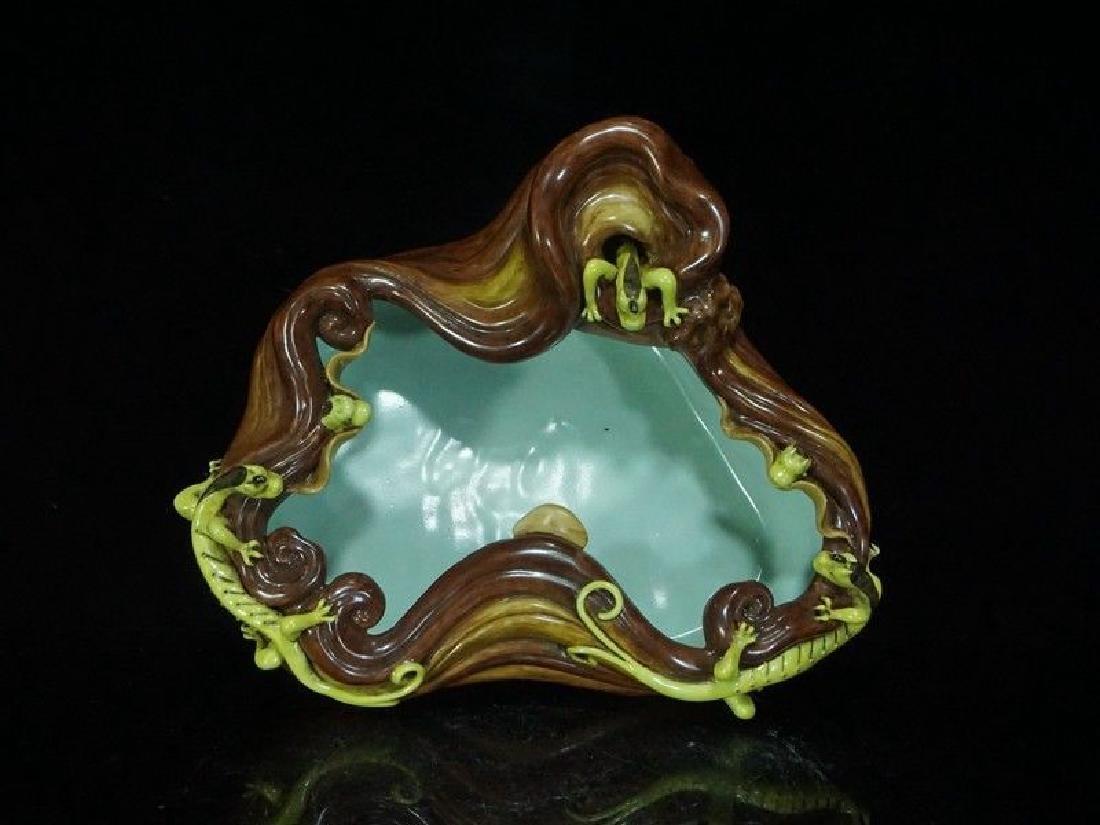 A Rare Porcelain Table Fountain - 9