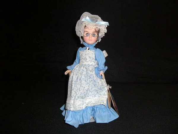 """10: """"Mother  Hubbard""""  Doll"""