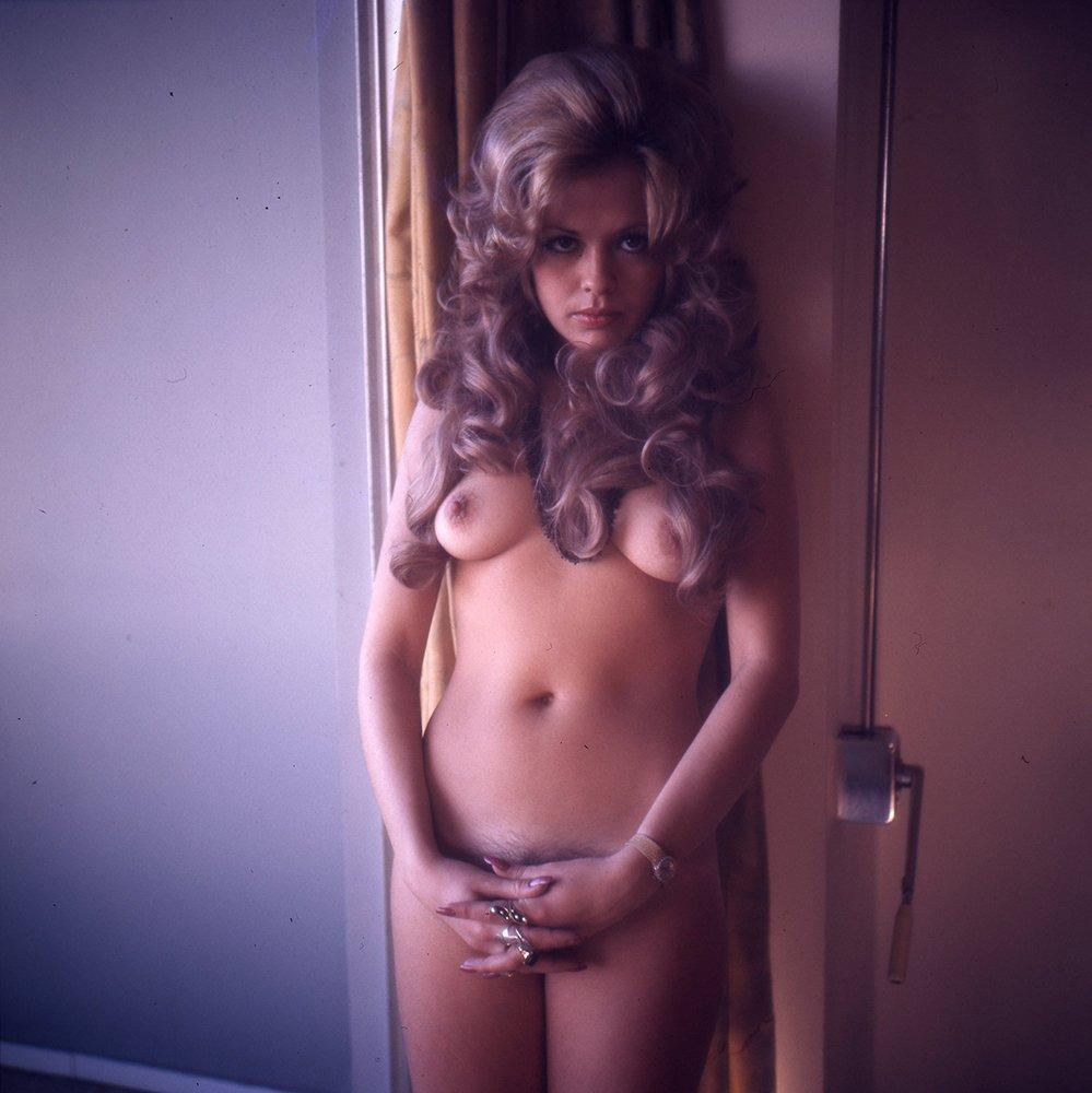 Leslie Leah Burrow 1973 120mm By Bob Guccione