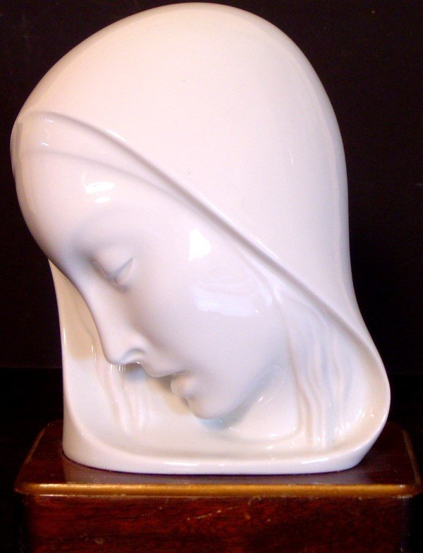 240: ART DECO LADY'S HEAD PORCELAIN, ON WOOD BASE HT 8""