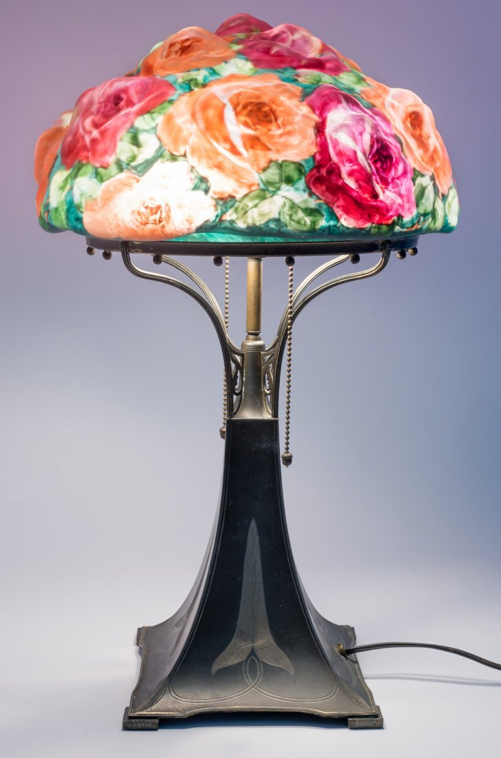 Pairpoint Puffy Bouquet of Roses Lamp