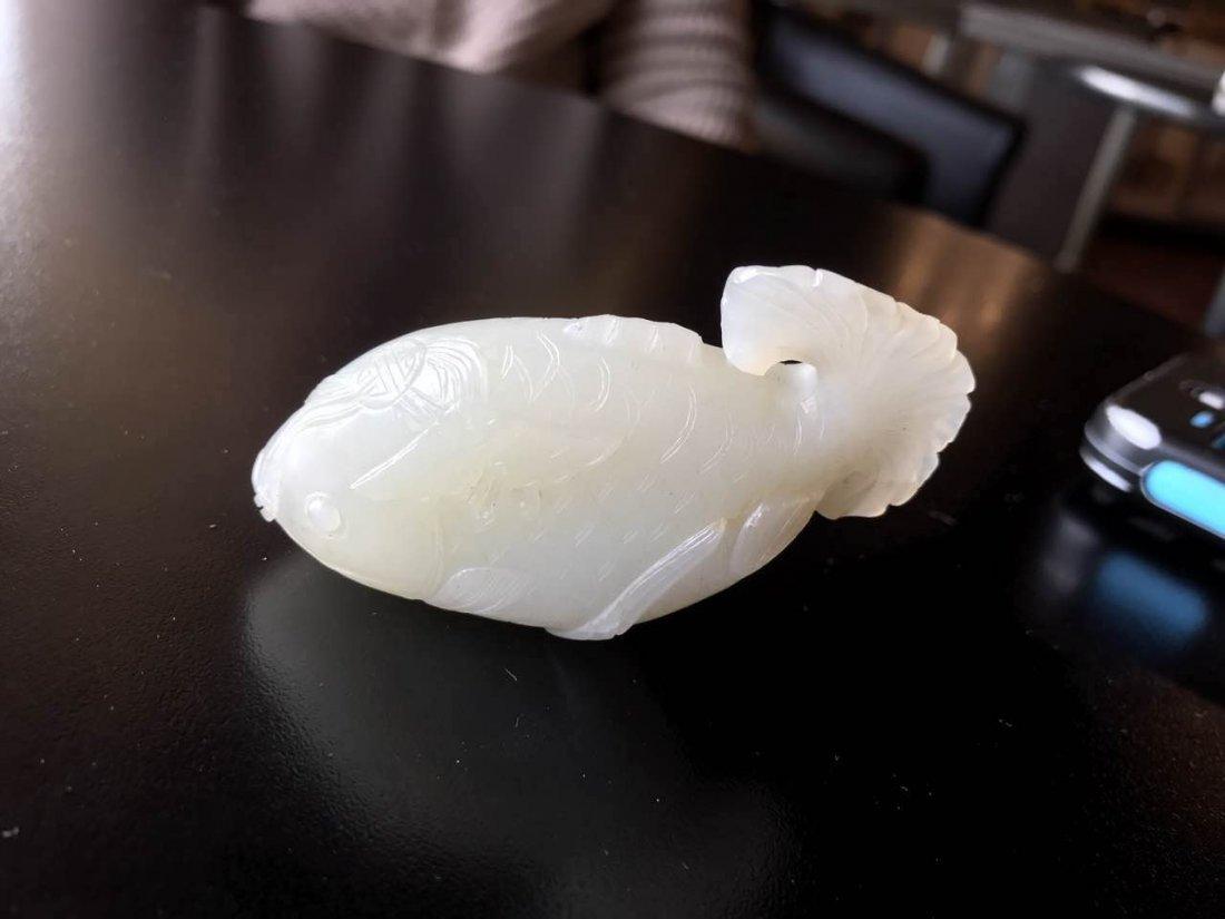 vintage Chinese white jade fish snuff bottle